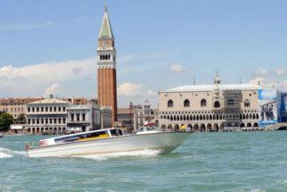 Noleggio barca per trasferimento da Aeroporto di Venezia al Centro