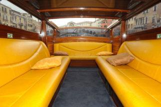 rialto venice rent boat